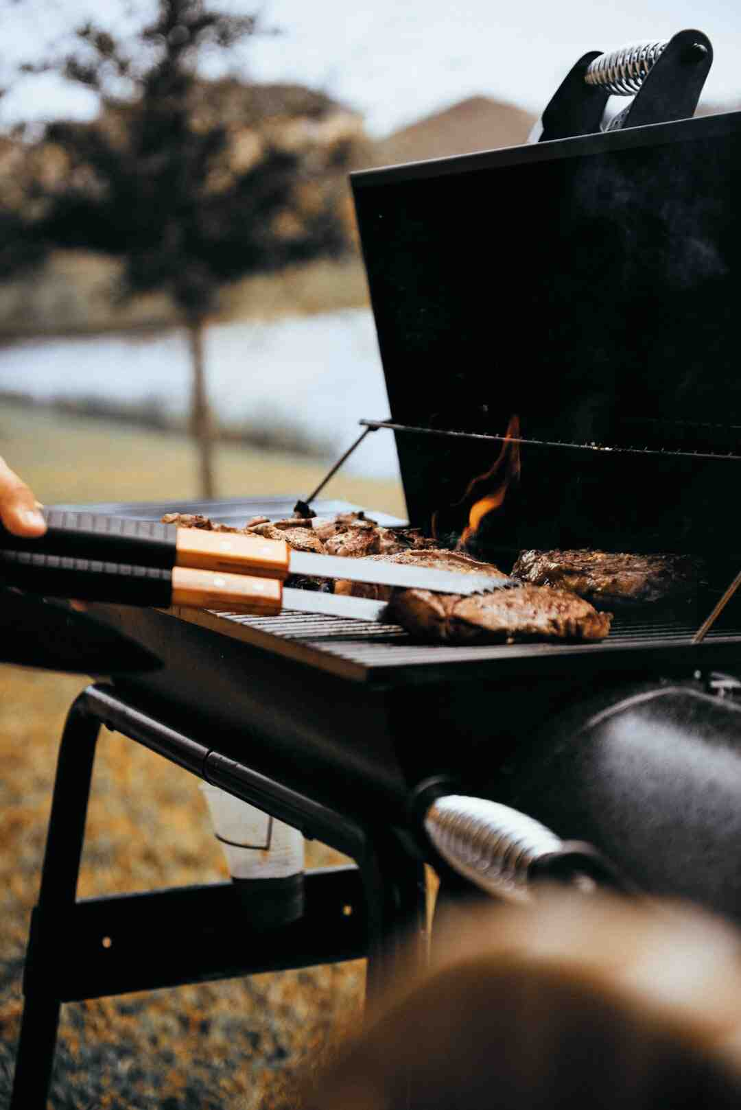 How do I know if my tri-tip is done without a thermometer?