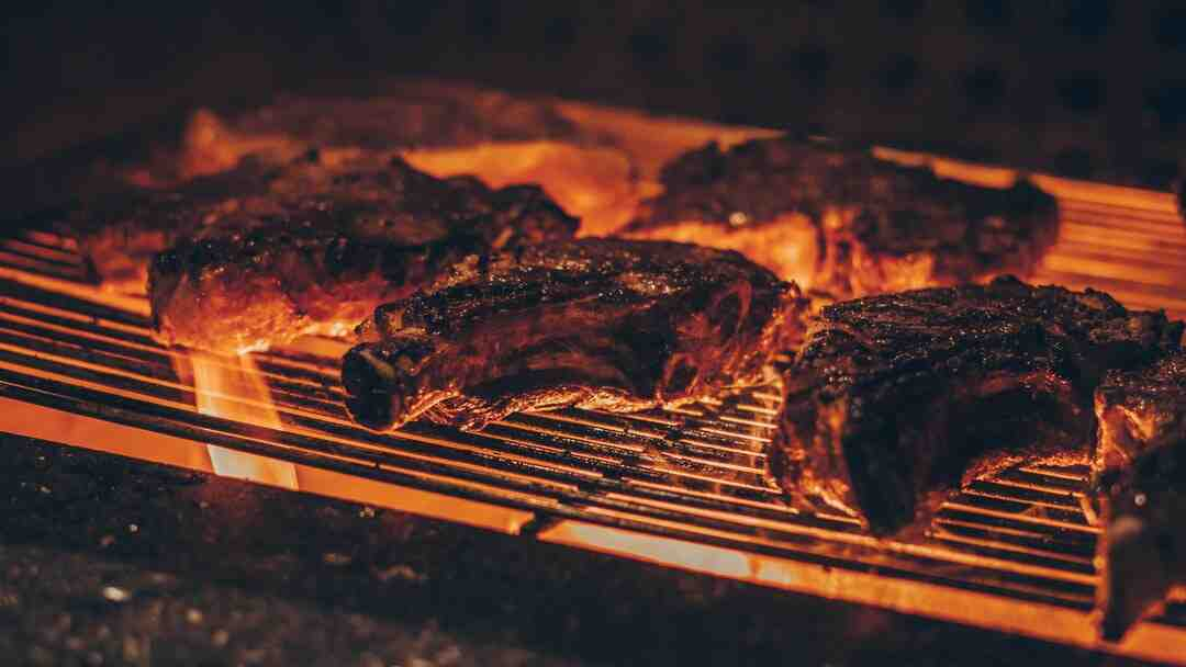 How do you start a charcoal grill for beginners?
